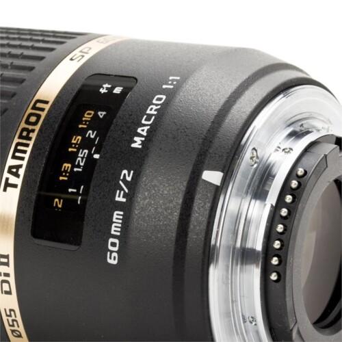 Detalle escala de distancias Tamron 60mm F2 Macro IF