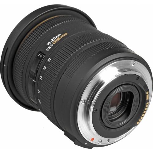 Sigma 10-20mm F3.5 EX DC HSM vista montura