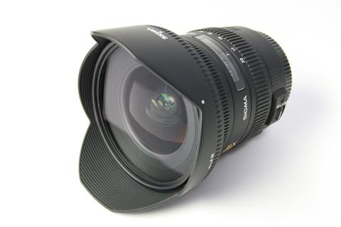 Sigma 10-20mm F3.5 con parasol vista lente frontal