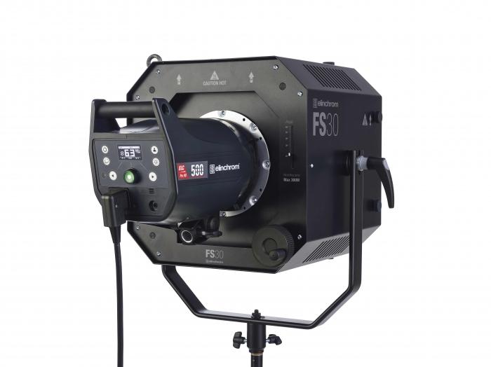 Elinchrom Fresnel Spot FS30 vista trasera con flash de estudio