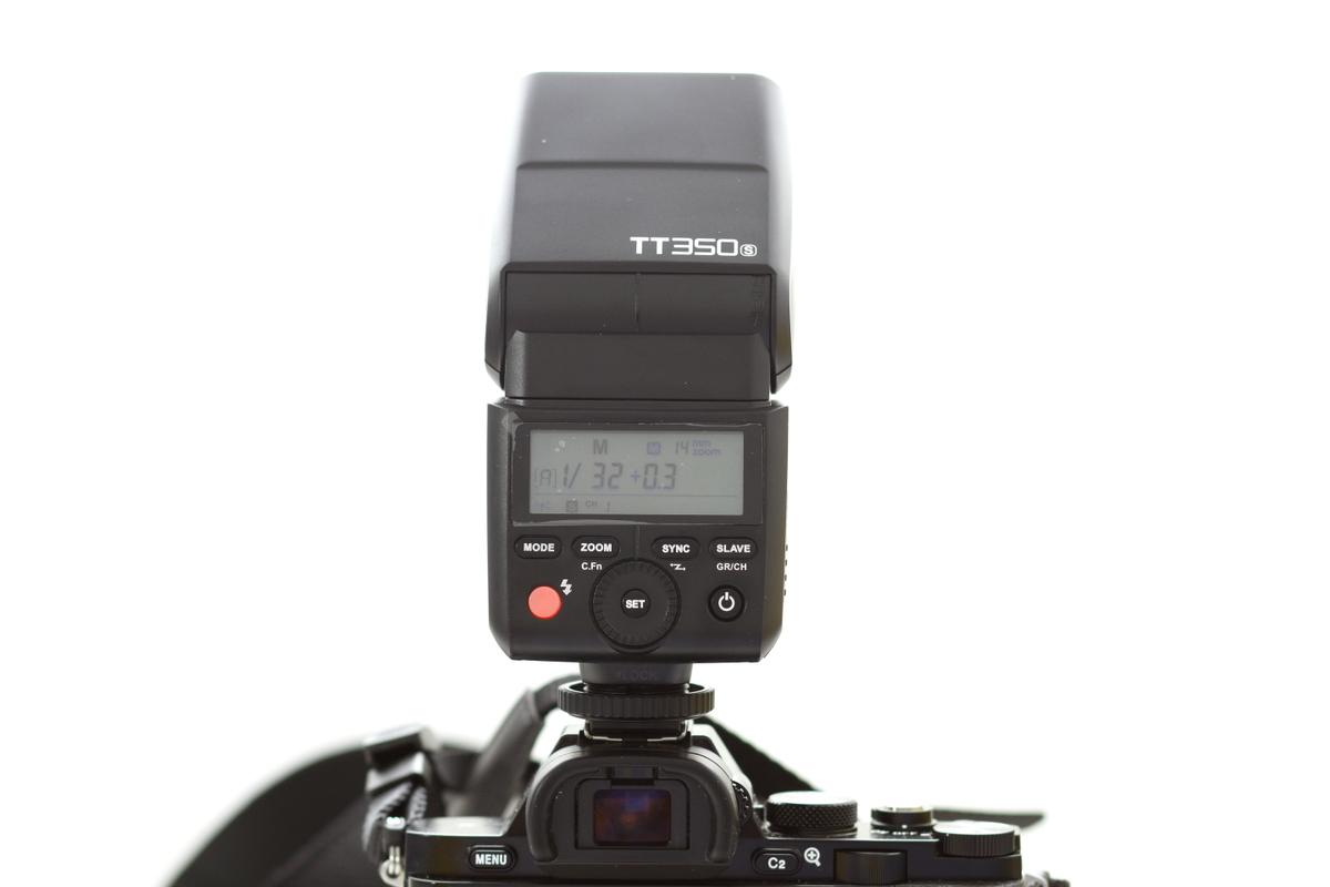 Godox TT 350 para Sony montado en cámara