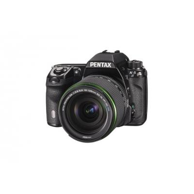Pentax K-5 II frontal con objetivo